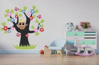 Sovička na stromě
